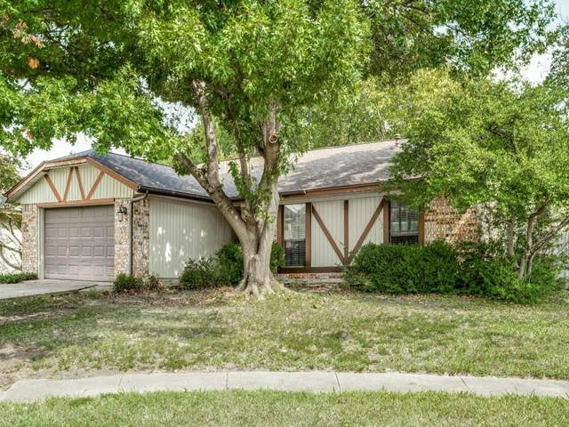 2922 Haymeadow Drive, Grand Prairie, TX 75052 (MLS #14687468) :: The Russell-Rose Team