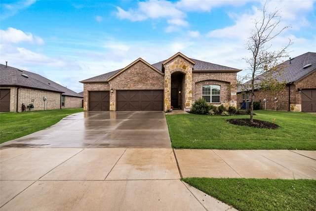 1316 Chiva Drive, Little Elm, TX 75068 (MLS #14687603) :: Frankie Arthur Real Estate