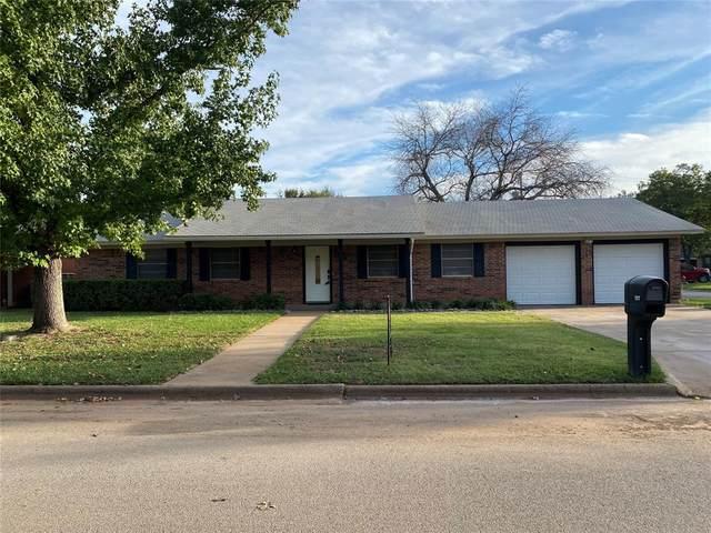 1317 Glenwood Circle, Breckenridge, TX 76424 (MLS #14687630) :: The Krissy Mireles Team