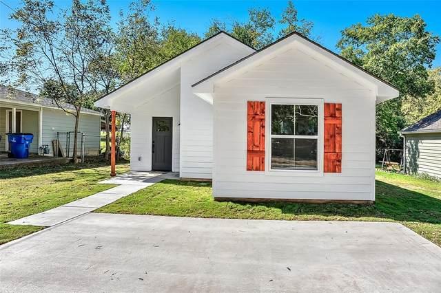 731 Layne Drive, Denison, TX 75020 (MLS #14687671) :: Lisa Birdsong Group | Compass