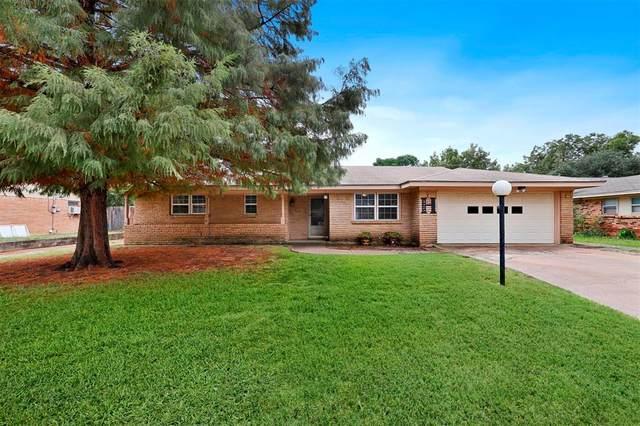 425 Fieldwood Terrace, Hurst, TX 76053 (MLS #14688169) :: 1st Choice Realty