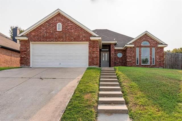 100 Parkwood Court, Azle, TX 76020 (MLS #14688177) :: Jones-Papadopoulos & Co