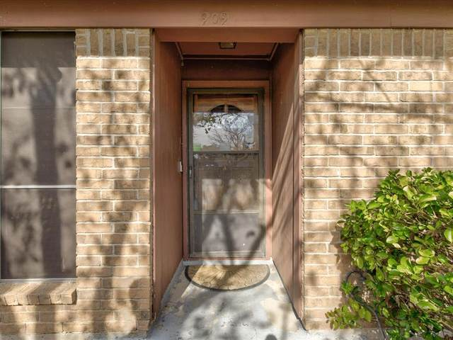 909 Childers Avenue, Benbrook, TX 76126 (MLS #14688280) :: Epic Direct Realty