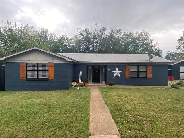 2410 NW 4th Avenue, Mineral Wells, TX 76067 (MLS #14688347) :: Lisa Birdsong Group | Compass