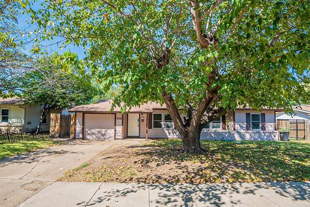108 Moody Street, Burleson, TX 76028 (MLS #14688411) :: Lisa Birdsong Group | Compass