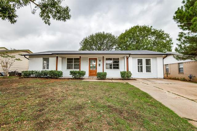 511 Stonewall Drive, Euless, TX 76039 (MLS #14688611) :: Real Estate By Design