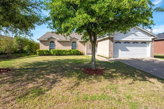 1816 Lost Crossing Trail, Arlington, TX 76002 (MLS #14688815) :: The Star Team | Rogers Healy and Associates