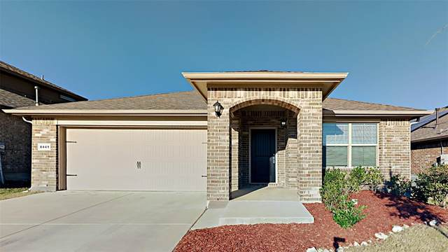 8441 Comanche Springs Drive, Fort Worth, TX 76131 (MLS #14688887) :: Trinity Premier Properties