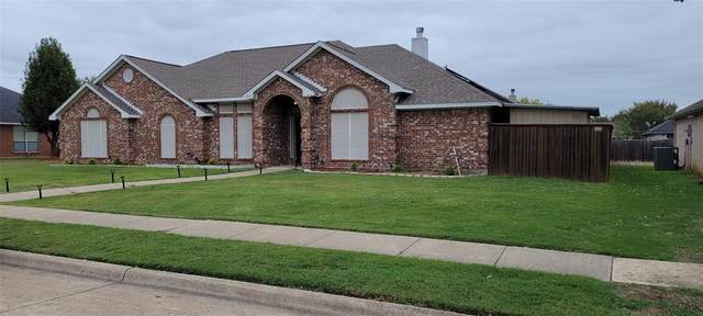 1328 Spring Hill Lane, Lancaster, TX 75146 (MLS #14689190) :: The Star Team | Rogers Healy and Associates