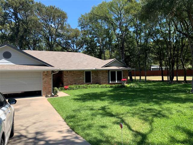135 Thousand Oaks Drive, Whitney, TX 76692 (MLS #14689258) :: Epic Direct Realty