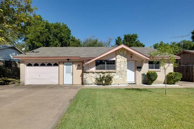 2215 E Mitchell Street, Arlington, TX 76010 (MLS #14689456) :: The Chad Smith Team