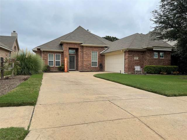 413 Hidden Knoll Drive, Burleson, TX 76028 (MLS #14689675) :: Front Real Estate Co.