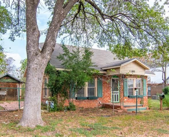 2802 Austin Avenue, Brownwood, TX 76801 (MLS #14689729) :: Jones-Papadopoulos & Co