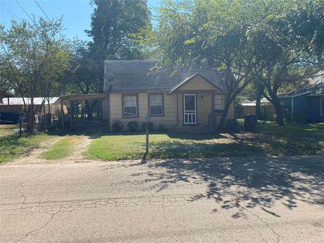 531 W Wilson Street, Cleburne, TX 76033 (MLS #14689763) :: Lisa Birdsong Group | Compass