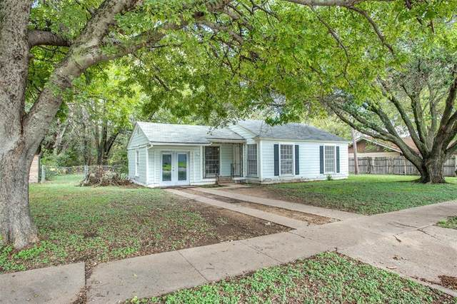 102 Adams Street, Cleburne, TX 76033 (MLS #14690019) :: The Good Home Team