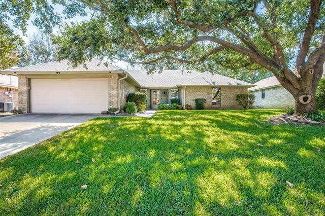 208 Timber Creek Drive, Burleson, TX 76028 (MLS #14690200) :: The Good Home Team
