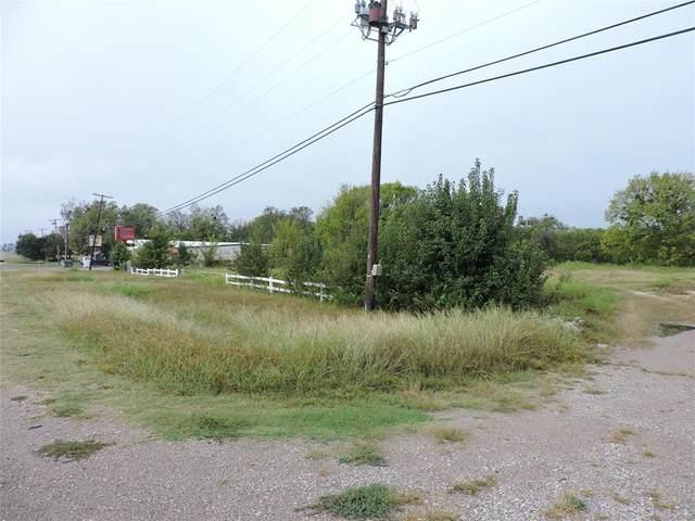 4901 Texoma Parkway, Denison, TX 75020 (MLS #14690332) :: The Rhodes Team