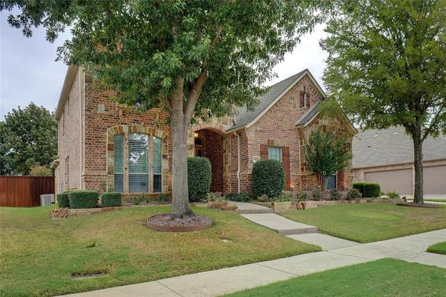 8205 Westwind Lane, North Richland Hills, TX 76182 (MLS #14690940) :: Lisa Birdsong Group | Compass