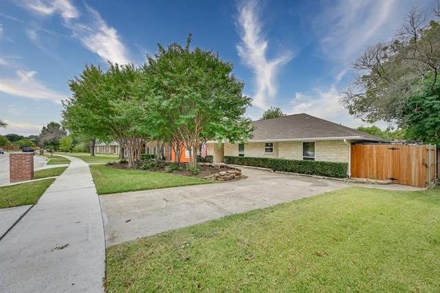 3809 Westminster Drive, Carrollton, TX 75007 (MLS #14691177) :: The Good Home Team