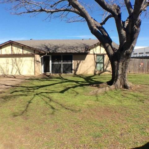 112 Pecan Street, Azle, TX 76020 (MLS #14691431) :: Trinity Premier Properties