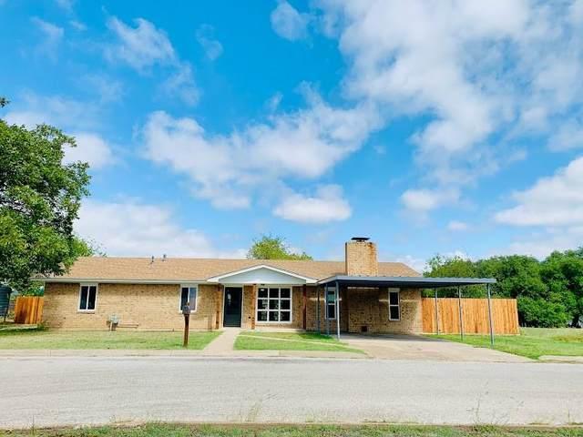 1101 Oak Ridge Lane, Hamilton, TX 76531 (MLS #14691800) :: Brooks Real Estate