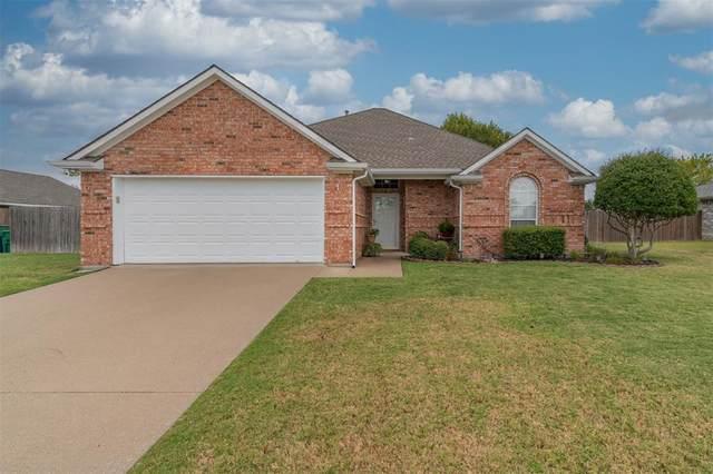 2002 Bordeaux Lane, Greenville, TX 75402 (MLS #14692028) :: The Kimberly Davis Group