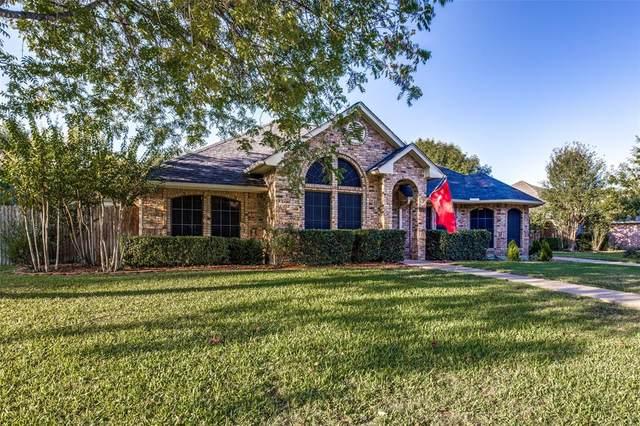 1321 Rio Grande Drive, Benbrook, TX 76126 (MLS #14692079) :: Real Estate By Design