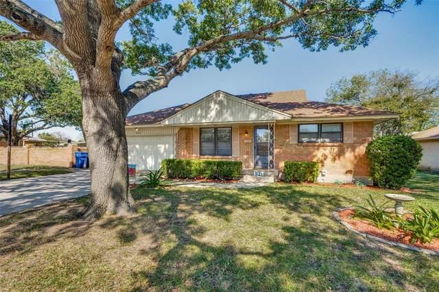 921 Bandera Lane, Garland, TX 75040 (MLS #14692519) :: Jones-Papadopoulos & Co