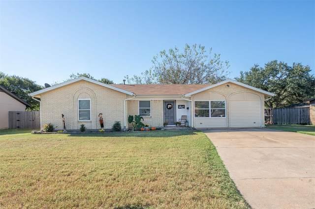 304 E Hampton Road, Crowley, TX 76036 (MLS #14692531) :: Craig Properties Group