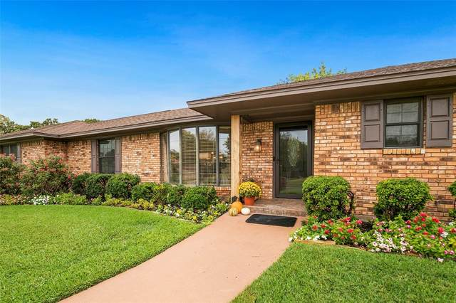 2529 Brookhaven Drive, Denison, TX 75020 (MLS #14692629) :: The Chad Smith Team