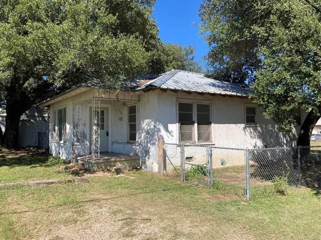 1305 N Ivy Street, Stephenville, TX 76401 (MLS #14692978) :: Brooks Real Estate