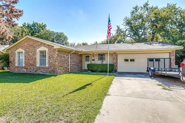 655 Oak Street, Burleson, TX 76028 (MLS #14693158) :: The Good Home Team