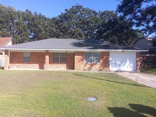 107 Lincoln, Terrell, TX 75160 (MLS #14693419) :: Team Hodnett