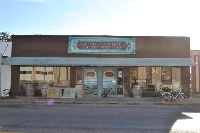 210 N Austin, Comanche, TX 76442 (MLS #14693671) :: Jones-Papadopoulos & Co