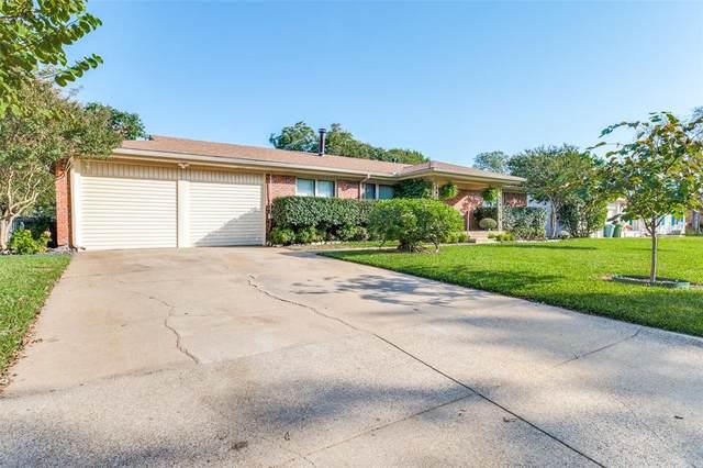 7821 Arnold Terrace, North Richland Hills, TX 76180 (MLS #14693782) :: Jones-Papadopoulos & Co