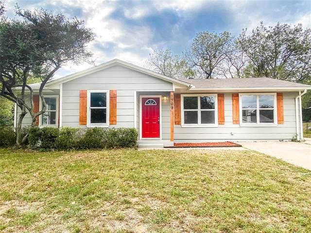 1709 Boyd Street, Denton, TX 76209 (MLS #14693932) :: NewHomePrograms.com