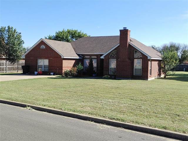 1635 Robin Place, Cleburne, TX 76033 (MLS #14694038) :: Texas Lifestyles Group at Keller Williams Realty