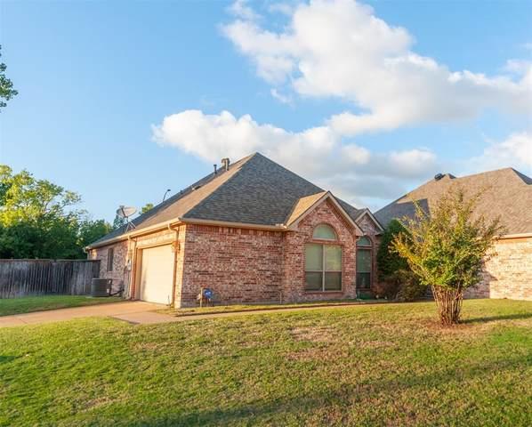 2105 Norwood Lane, Arlington, TX 76013 (MLS #14694044) :: Texas Lifestyles Group at Keller Williams Realty