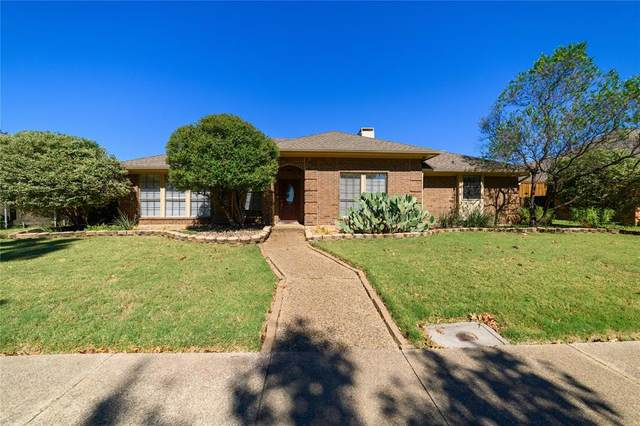6107 Bluff Point Drive, Dallas, TX 75248 (MLS #14694412) :: Texas Lifestyles Group at Keller Williams Realty