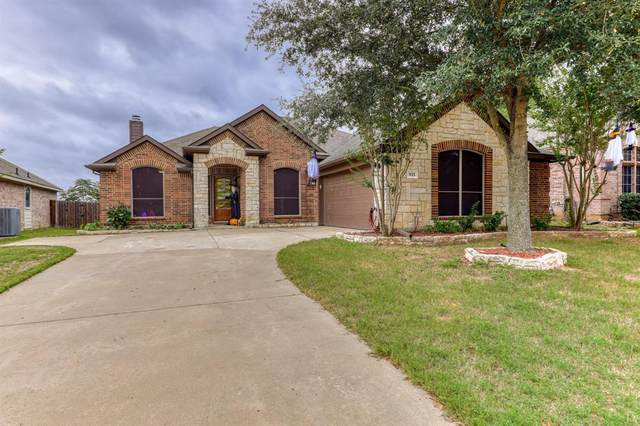 921 Oatlands Place, Burleson, TX 76028 (MLS #14694431) :: 1st Choice Realty