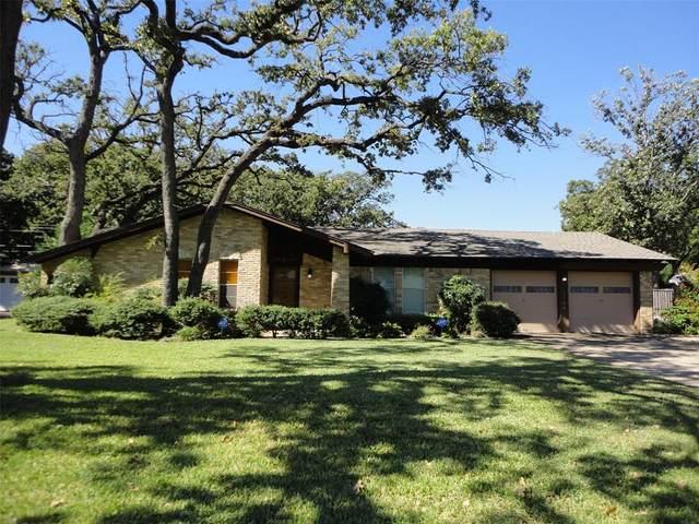 1704 Oakridge Drive, Pantego, TX 76013 (MLS #14694663) :: The Good Home Team