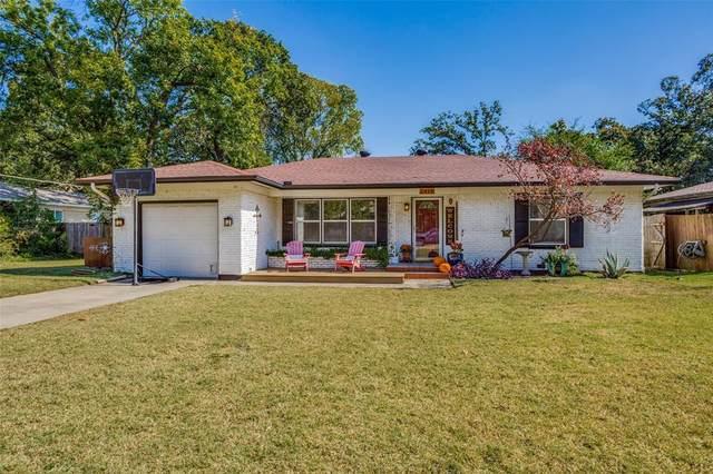 2414 Robinwood Lane, Denton, TX 76209 (MLS #14694816) :: Trinity Premier Properties