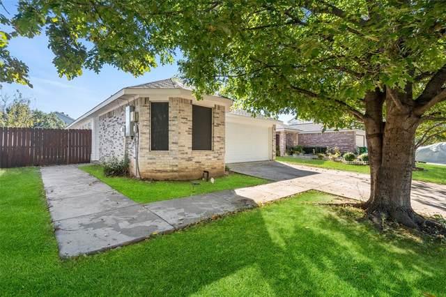 724 Pace Drive, Denton, TX 76209 (MLS #14694961) :: Trinity Premier Properties