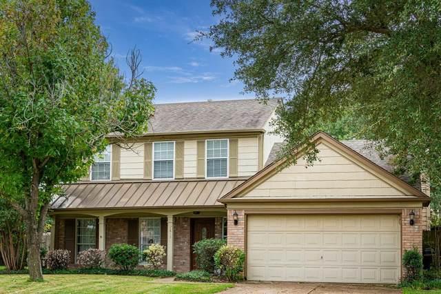 7813 Defender Lane, Rowlett, TX 75089 (MLS #14695020) :: Real Estate By Design