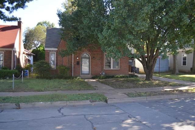 721 W Chambers Street, Cleburne, TX 76033 (MLS #14695157) :: Wood Real Estate Group