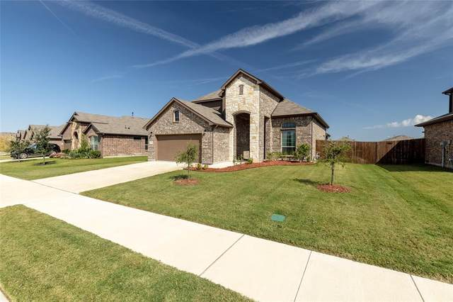 1213 Alnwick Lane, Saginaw, TX 76131 (MLS #14695168) :: Frankie Arthur Real Estate