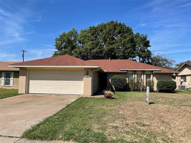 1002 Savannah Drive, Ennis, TX 75119 (MLS #14695584) :: The Hornburg Real Estate Group