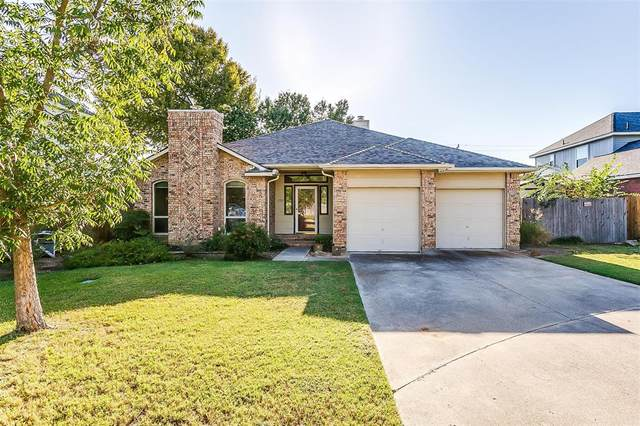 2702 Kingswood Court, Arlington, TX 76001 (MLS #14695675) :: The Mitchell Group