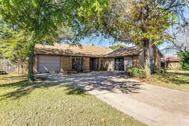 2320 Escalante Avenue, Fort Worth, TX 76112 (MLS #14696097) :: Real Estate By Design
