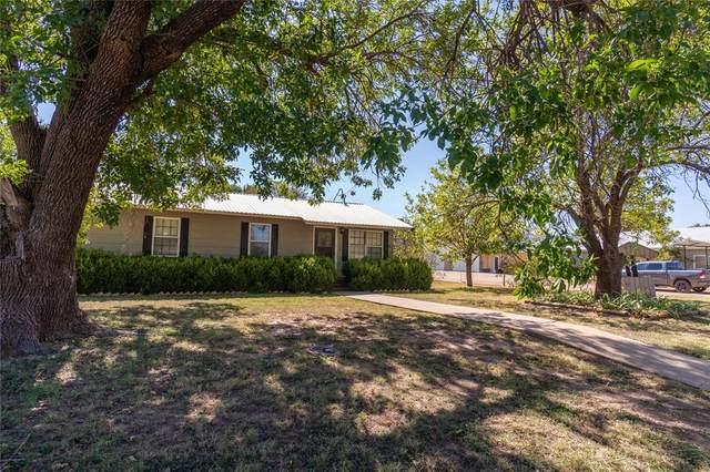 1302 Compton Street, Stamford, TX 79553 (MLS #14696108) :: Trinity Premier Properties